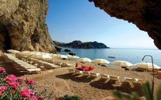 Таормина: пляжи с видом на этну